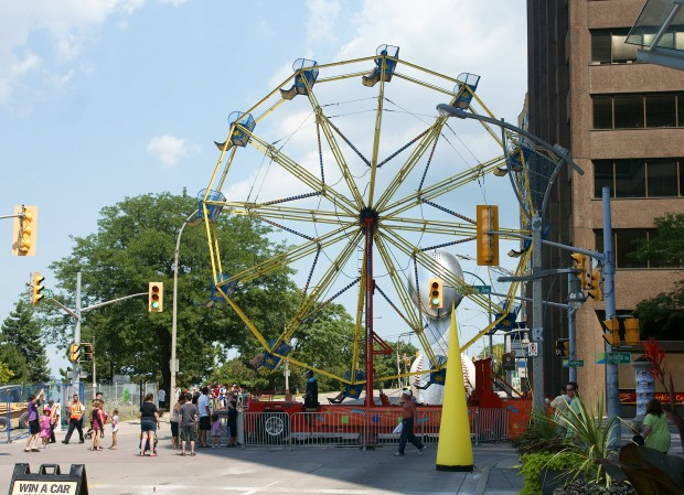 Ferris wheel at the foot of Ouellette and Riverside