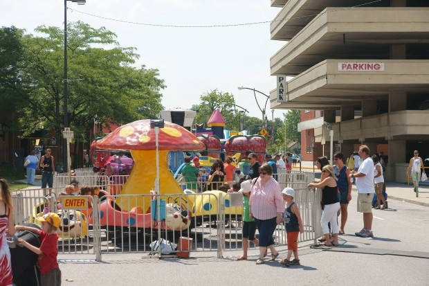 The mini midway on Chatham Street