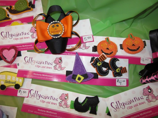 Sillysaurus also had cute clips and bows for Halloween at the M2M sale.