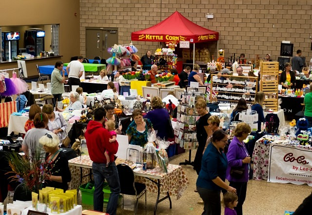 windsor 39 s largest christmas craft show starts on small